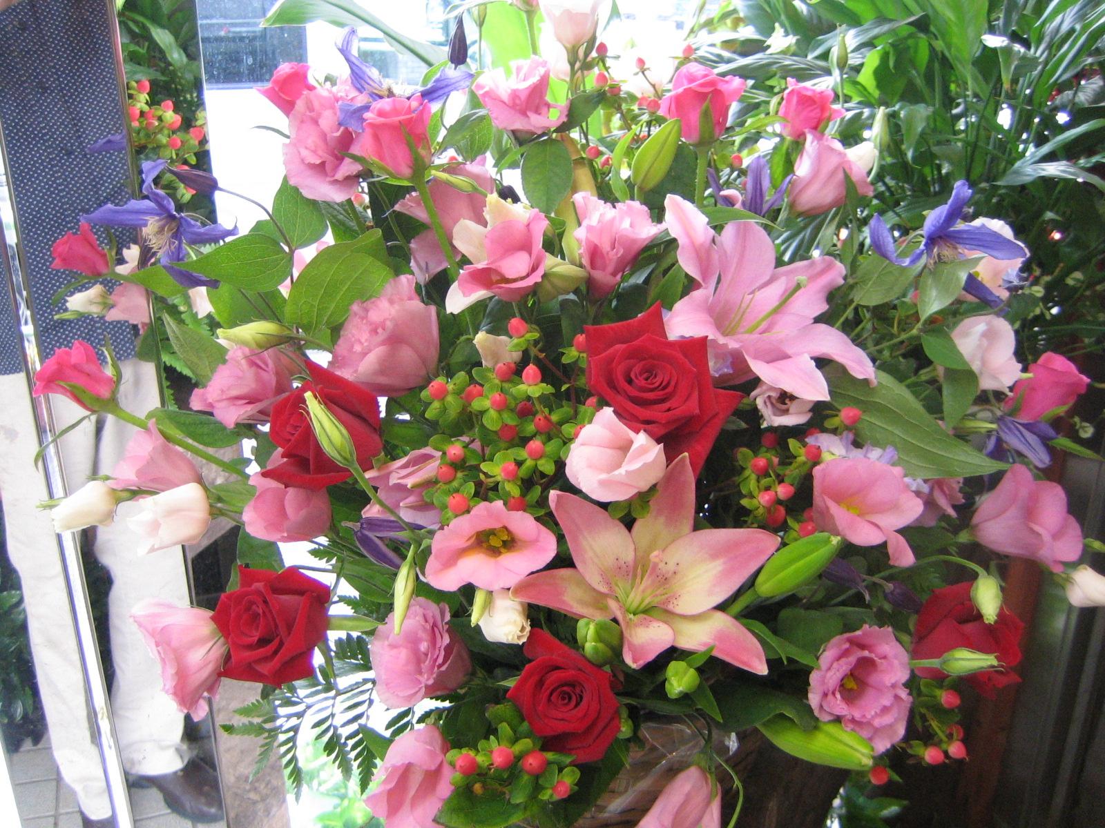 アレンジ・花束・スタンド花・観葉植物・胡蝶蘭 名古屋市中区 | フラワー 花時 |